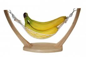 This type of banana hammock is acceptable.